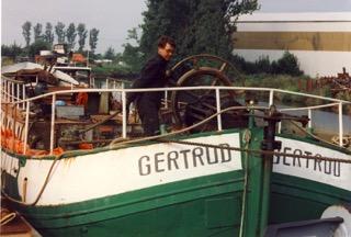 HAFEN FORUM  Restauration eines alten Schiffes